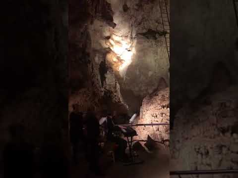 The Easter Traveller: Jenolan Caves in Australia Part 2 - JET's Fashion Diplomacy