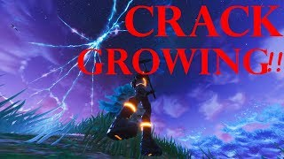 Fortnite Crack in the Sky is Growing and Getting Bigger !!