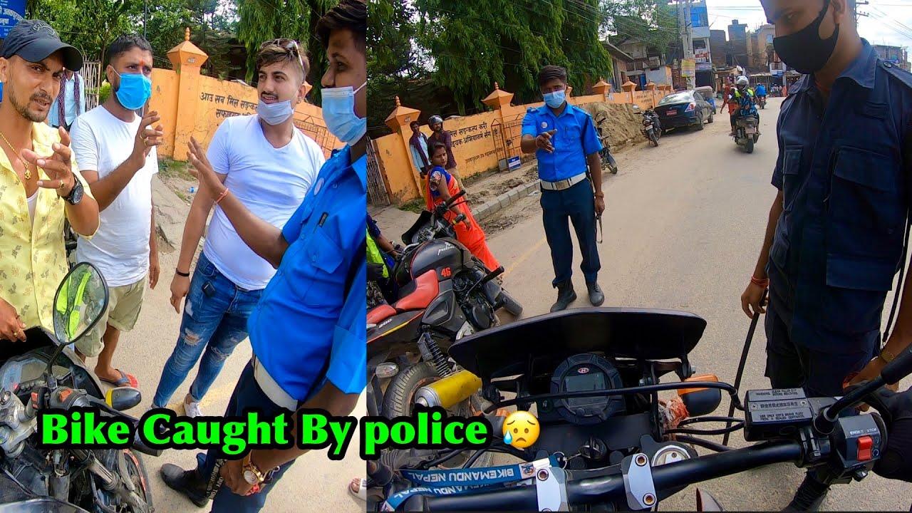 Crossing Nepal India Border | Police Le Bike Samatyoooo :(