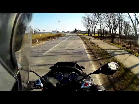 Driving with Piaggio MP3 500 & recording with SJCAM SJ4000 WiFi