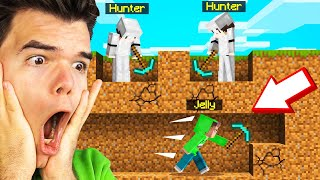 MINECRAFT Speedrunner VS. 2 Hunters!