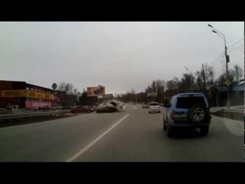 В ДТП возле Бубль-Гума в Южно-Сахалинске есть погибшие