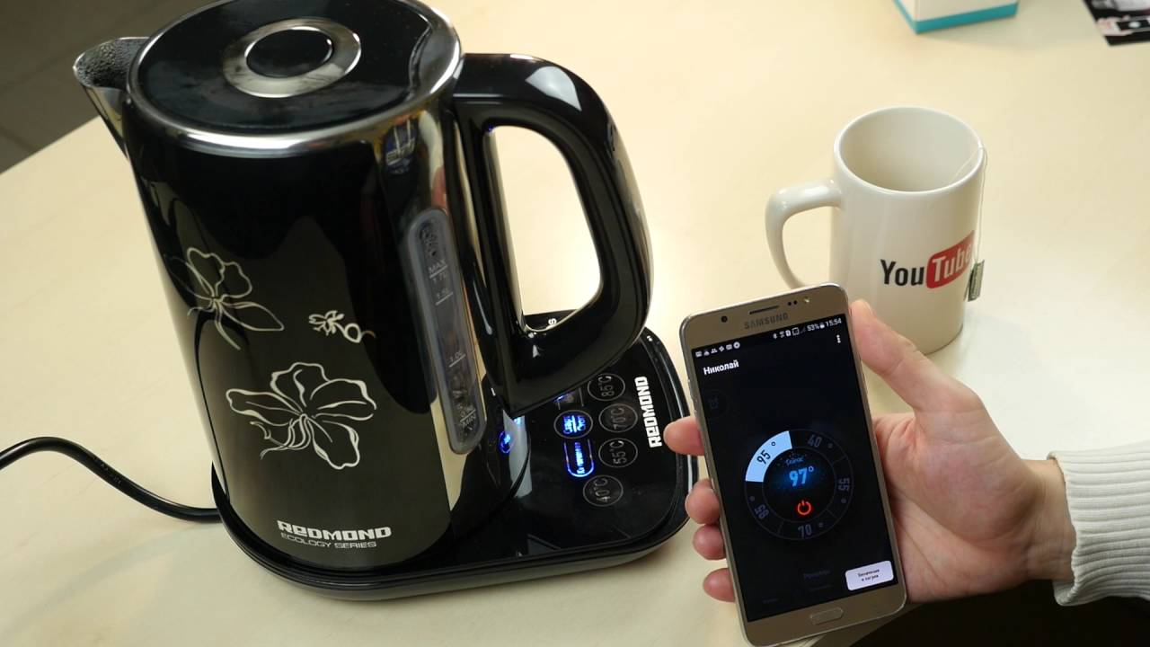 The redmond smart skykettle m170s-e is a unique flagship model, which can be controlled from anywhere in the world. The smart electric kettle is equipped with the remote control technology, which allows you to turn on/off the device, select temperature mode, start keep warm function (up to 12 hours) from any distance.