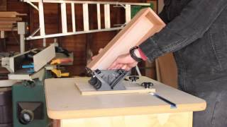 Dress up your mitered corner joints and add strength, too, with the Rockler Router Table Spline Jig! This clever jig locks into a