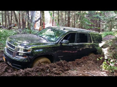 Chevrolet Tahoe - Snow Drift & Off-road Burnout Drag Race
