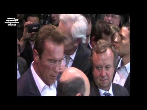 Arnold Schwarzenegger au Mondial de l'Automobile 2014