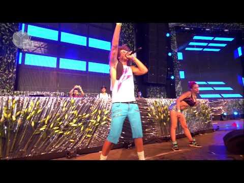 Tomorrowland 2013 - Red Foo