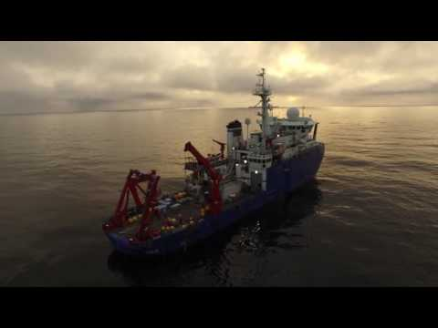 Drone over the Arctic Ocean (part 1)