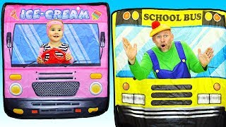 Wheels on the Bus | Canciones Infantiles | Tamiki Amiki Español