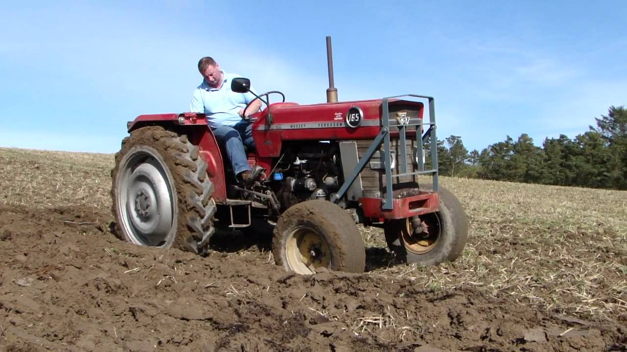 massey ferguson 165 ploughing youtube. Black Bedroom Furniture Sets. Home Design Ideas
