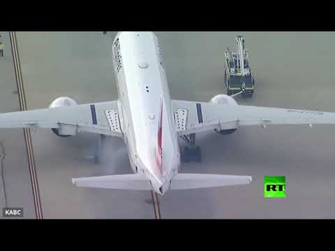 اشتعال محرك طائرة على متنها 360 شخصا  - نشر قبل 30 دقيقة