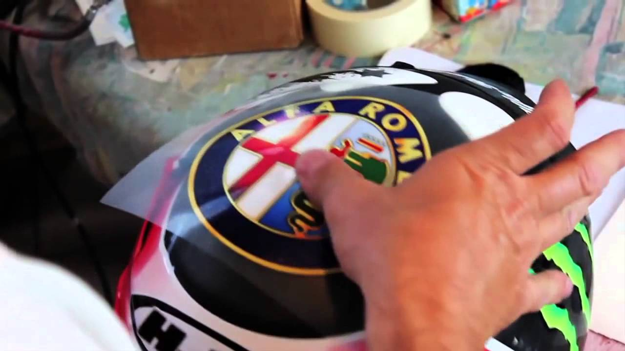 The Legendary Quadrifoglio Verde On Jorge Lorenzos Helmet Stiker Helm Desain Rpha Lorenzo Starline Designers