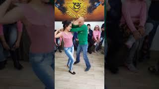 Download Video Alumna Bailando Cumbia de Vueltas (CHEKOLATE Y ESBEHIDY) 2018 MP3 3GP MP4