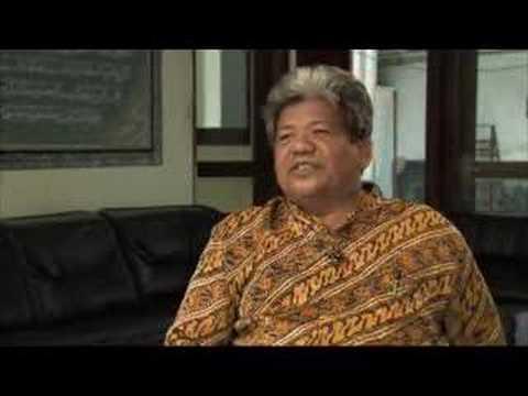 101 East- Inside Indonesia's Islamic schools -23Aug07- Pt 1
