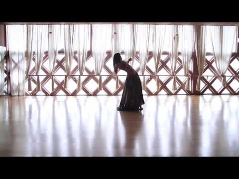 Natascia Crescenzi _ backlit dance _ improvisation _ Einaudi