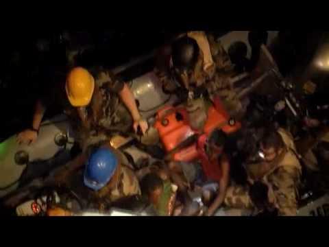 Attaque d'un navire de la marine française par des pirates somaliens