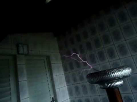 AC/DC - Thunderstruck on Musical Tesla Coil