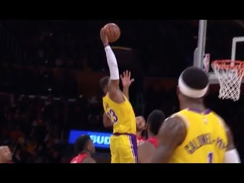 """LeBron James Throws Down Jaw-Dropping """"Statue Of Liberty"""" Dunk vs. Houston Rockets"""