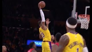 LeBron James Throws Down Jaw-Dropping