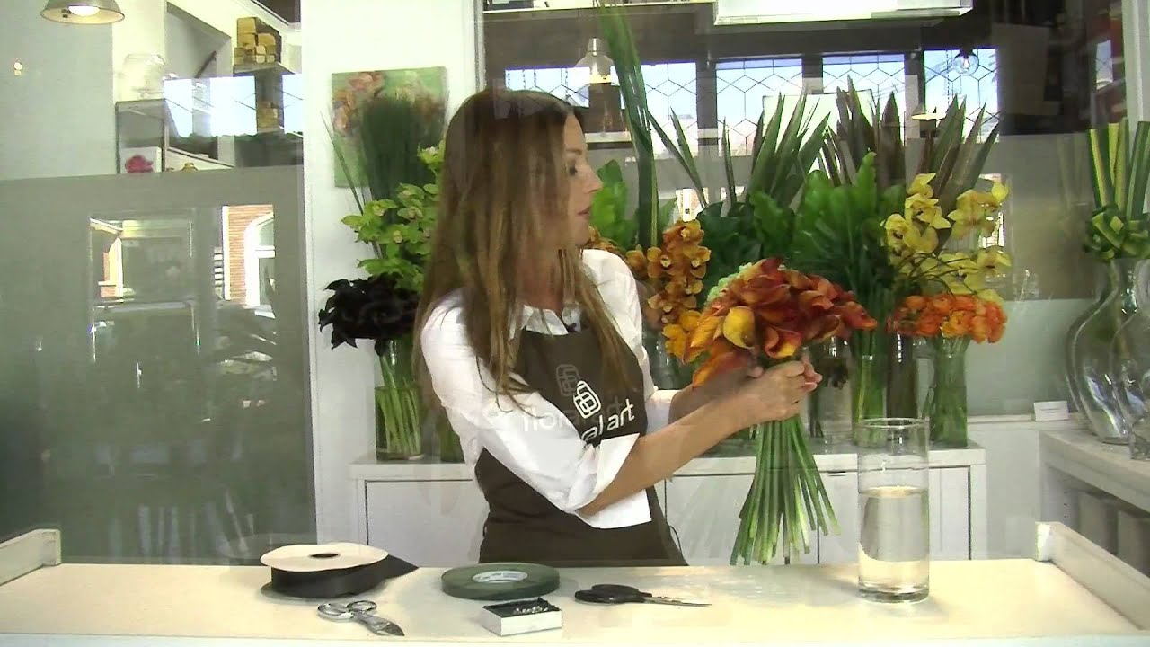 Diy Calla Lily With A Ribbon Floral Arrangements Youtube