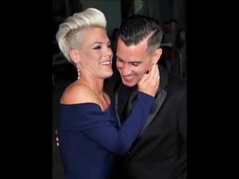 Pink & Carey Hart Kissing Compilation