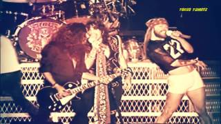Guns N' Roses ft Aerosmith - Mama kin  (Live Paris 1992)