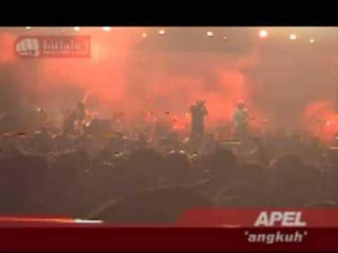 APEL - Angkuh (Live @ Lap.Gasibu Bandung)