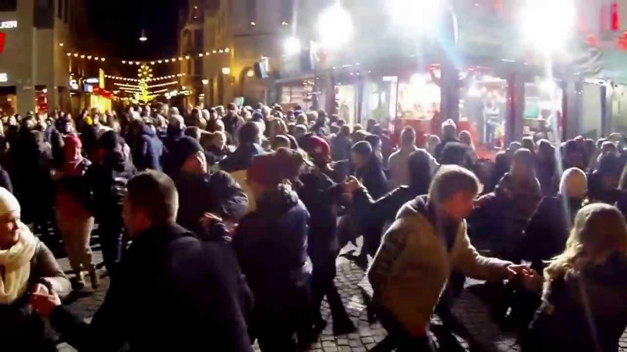 fantastiskt dansare daska i Uppsala
