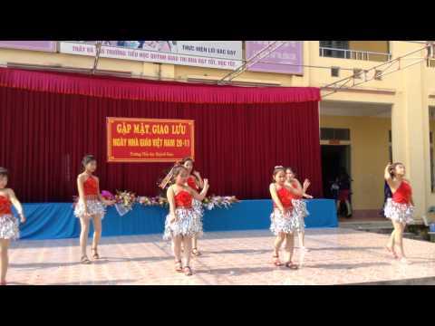 Vu dieu Tây Ban Nha: Biểu diễn HS trường Tiểu học Quỳnh Giao