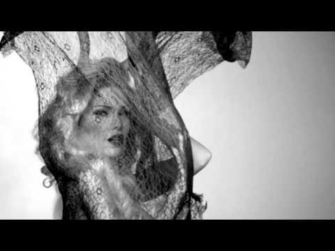 Demet Aktaş - Onu Alma Beni Al [Teaser]