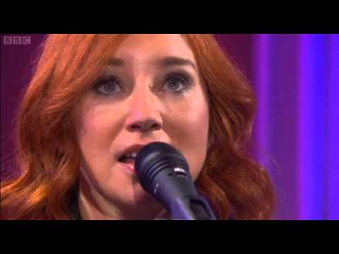 Tori Amos - Girl Disappearing (Live UK TV)