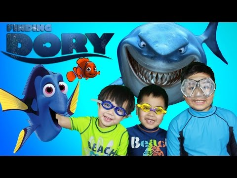 DISNEY PIXAR FINDING DORY BATH TOYS | Kids Toy Review| Cars 2 Spiderman Surprise Eggs