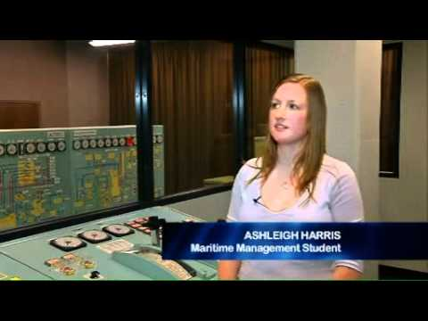 Jobs in the maritime industry based on land: Business and logistics at AMC