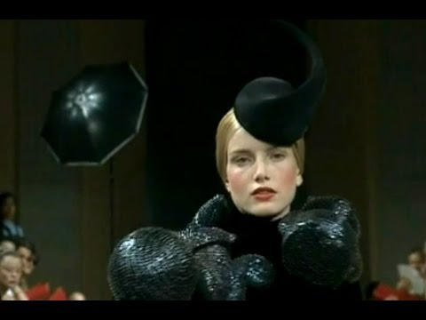 Viktor & Rolf | Haute Couture Fall Winter 1998/1999 Full Show | Exclusive
