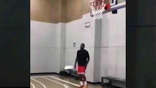 JR.Smith Gets Ready for LeBron James