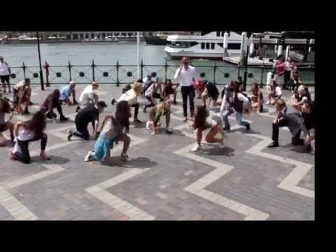 Crazy Uptown Funk flashmob in Sydney
