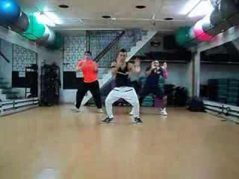 BACHATA ZUMBA FITNESS/ (PREVIEW) DE DARTE UN BESO - PRINCE ROYCE Videos De Viajes