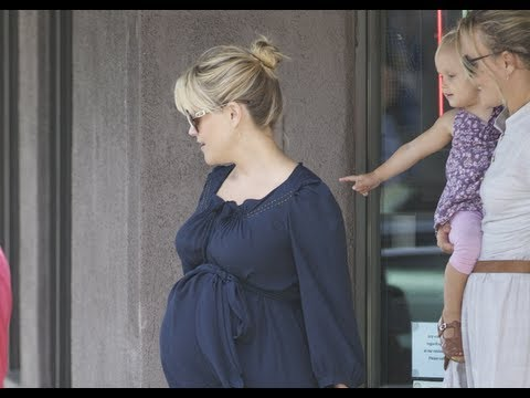 Reese Witherspoon Welcomes a Son!