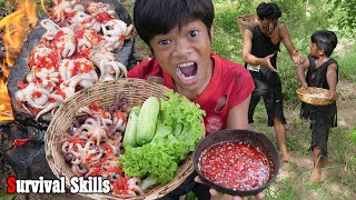 Survival Skills Primitive - Cooking octopus on a rock eating for dinner ep0082