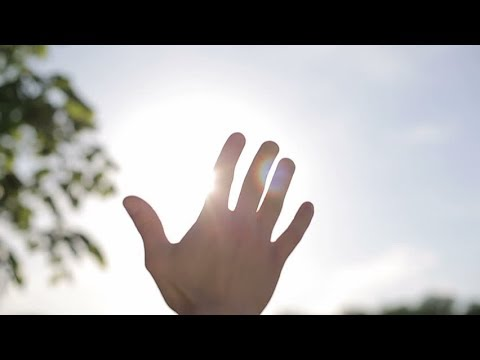 autism-hand-flapping-and-stimming