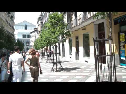 (2011 ESP IC) Walking Around Downtown Madrid