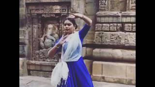 Dancing to the rhythms of the temple!