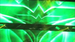 Tiesto Gets Knocked Out Hits His Head On LED Screen Lol