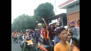 JAKMANIA CIREBON BERSATU (aksi damai jakmania Cirebon datangi distrik Galebo vikjing))