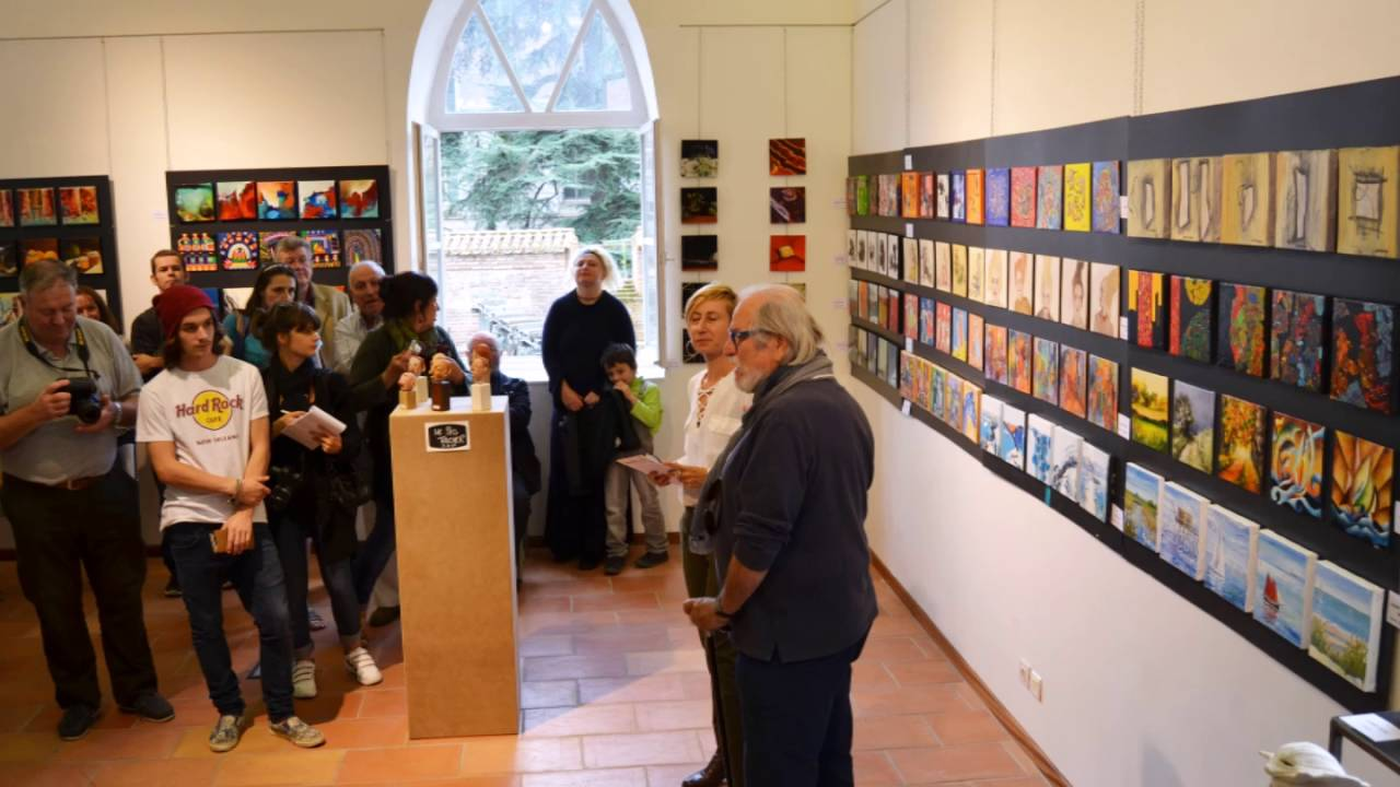 Festival d 39 art contemporain salon petit format moissac for Petit salon contemporain