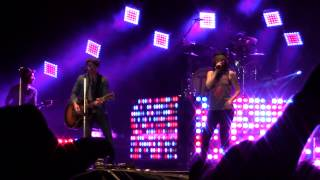 "Thompson Square ""Are You Gonna Kiss Me or Not?"" at Country USA 2015"