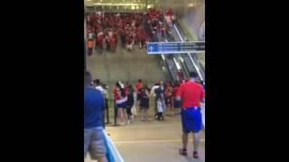 Barra chilena celebra en aeropuerto (Chile vs argentina) copa centenario 2016