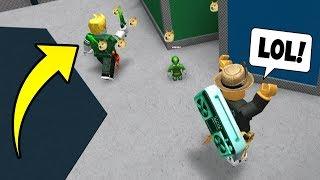 LOL!! TROLLING THE MURDERER! (Roblox Murder Mystery 2) thumbnail
