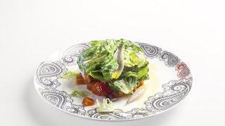 Теплый салат с бататом и помидорами конфи