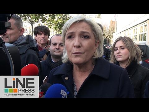 Marine Le Pen visite des commissariats de police / Juvisy-sur-Orge (91)  - France 07 février 2017